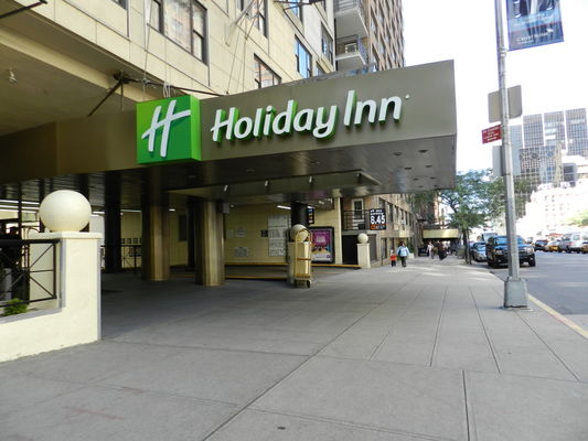 Holiday_Inn_Midtown_Exterior2